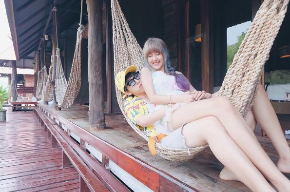 Qwaa và Doughnutt được xem là cặp đôi đồng tính nữ được yêu thích nhất tại Thái Lan.