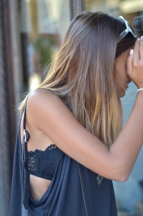 Bralette rất thích hợp để diện cùng với các loại áo crop top.