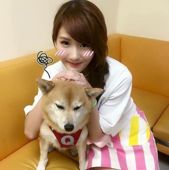 Joyce Chu là một cô nàng cực kì yêu động vật.