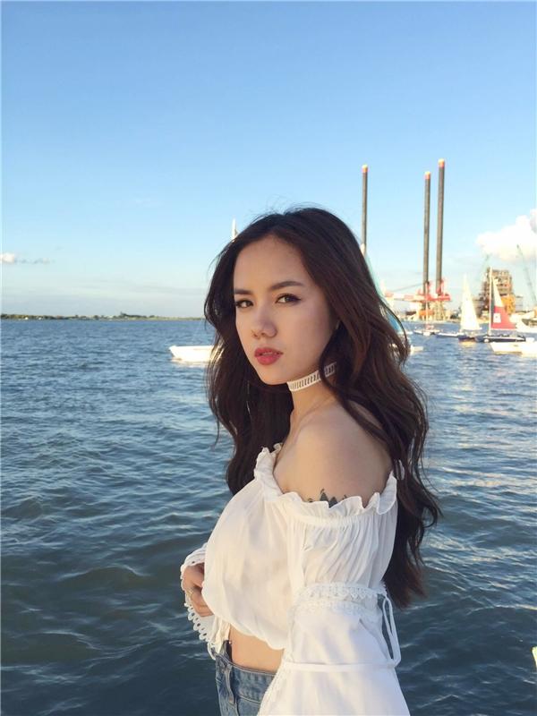 Từ khi thay đổi hình ảnh trở nên mạnh mẽ, năng động nhưng cũng không kém phần cá tính, Phương Ly đã được nhiều bạn trẻ xem là một fashionista.