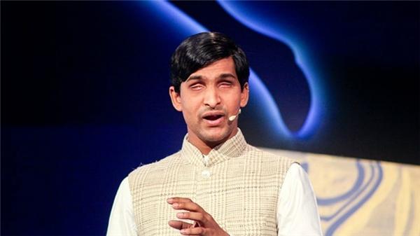 Anh là nguồn động lực cho hàng triệu thanh niên Ấn Độ nói riêng và người khuyết tật trên toàn thế giới nói chung. (Ảnh: Internet)