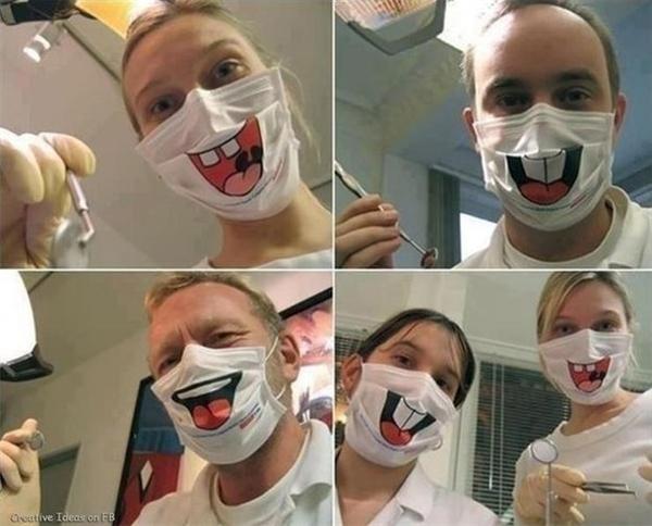 Có bệnh nhân nào cười nổi với mấy cái khẩu trang này không nhỉ?