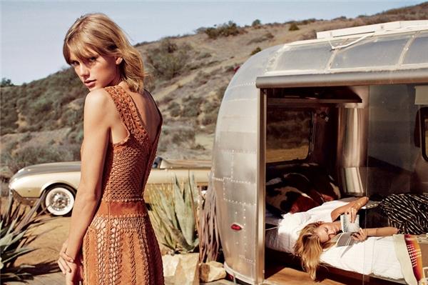 """Trong chuyện đi du lịch đến Big Sur, Karlie khen: """"Taylor là một tay lái xịn""""."""