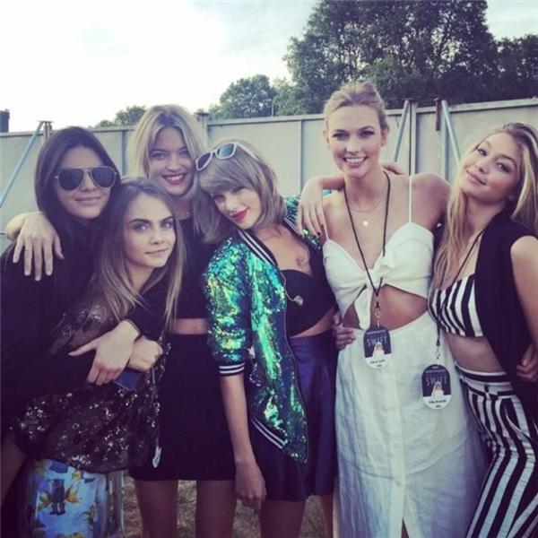 """Kloss đồng hành với Taylor trong suốt tour diễn """"1989""""."""