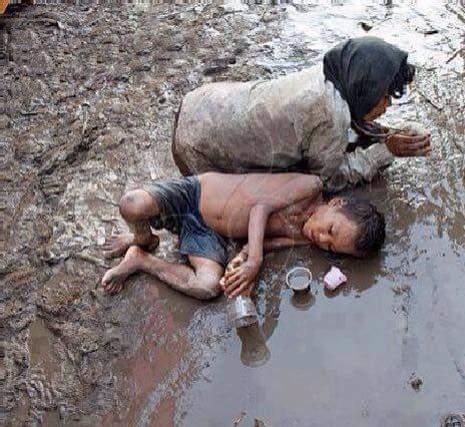 Những phận người mãi mắc kẹt trong vũng bùn của cuộc sống.(Ảnh: Internet)