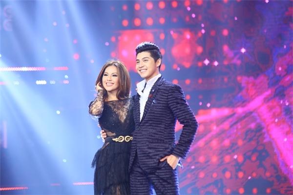 Nữ ca sĩ hải ngoại Minh Tuyết khá hào hứng trong lần đầu tái ngộ khán giả Việt Nam với vai trò giám khảo chương trình truyền hình.