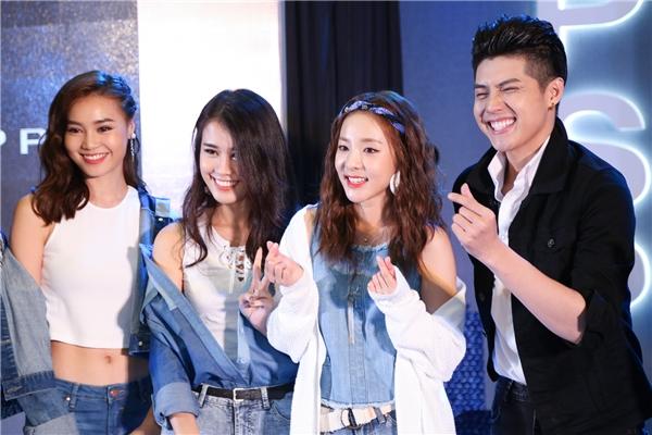 Anh chia sẻ đã biết Daravà nhóm 2NE1 từ khá lâu. Khi được tiếp xúc với nữ ca sĩ, anh càng cảm thấy thành viên nhóm 2NE1 không chỉ dễ thương mà còn khá thân thiện.