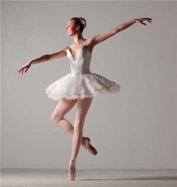 Khổ công rèn luyện song nghề vũ công ba lê lại có tuổi thọ rất ngắn.