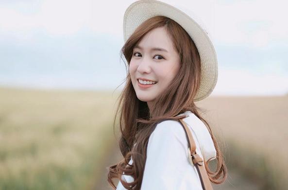 Gương mặt xinh đẹp cùng nụ cười tỏa nắng, Pimtha là cô gái hot nhất Instagram Thái Lan.