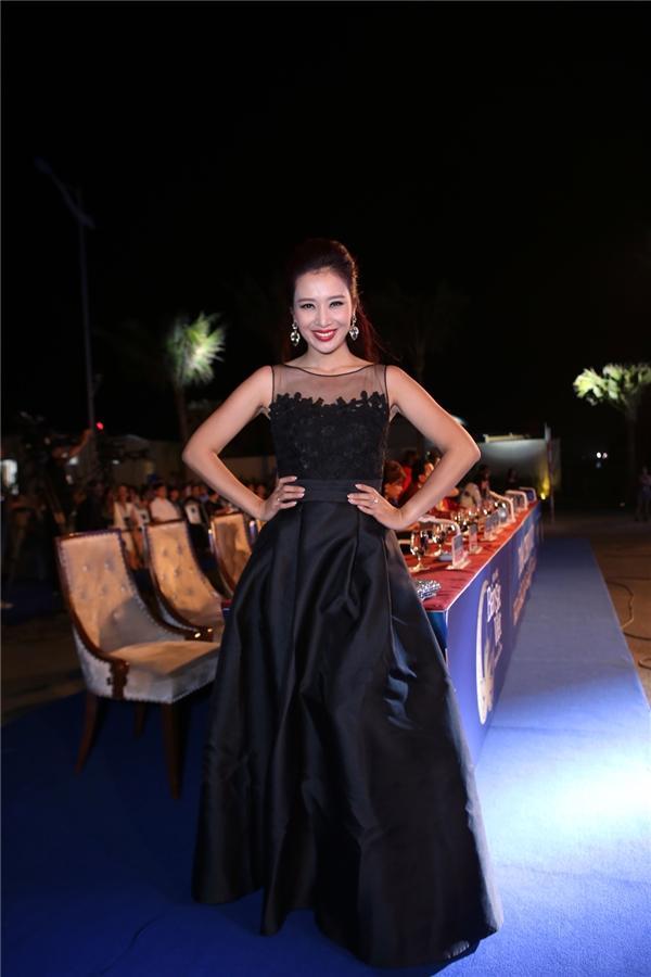 Hoa hậu Quý bà Thu Hương giữ vai trò cố vấn cho cuộc thi.
