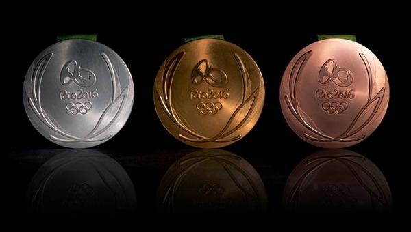 Trong Olympics Rio 2016, tổng cộng172 ounce (4,87kg) vàngđược sử dụng để tạo ra 812 huy chương vàng;hơn 1,6 tấn bạc để sản xuất cả sốhuy chương vàng trêncùng với812 huy chương bạc vàmột lượng lớn đồng cho tất cả864 huy chương đồng.