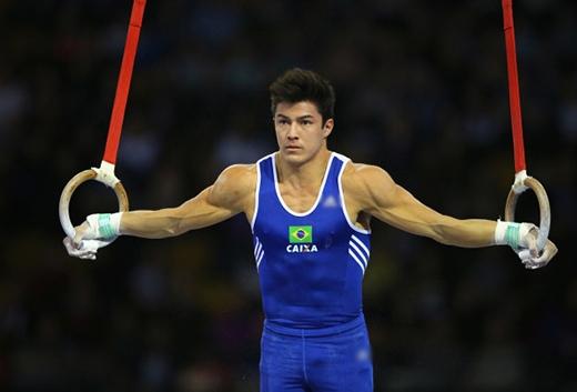 Vận động viên nước chủ nhà Olympic gây sốt với vẻ đẹp trai nghẹt thở