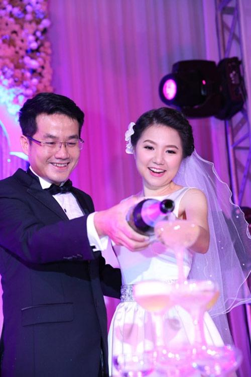 """Ngô Quỳnh Anh cùng bạn trai """"về chung một nhà"""" vào năm 2014 sau 3 năm hẹn hò, tìm hiểu. - Tin sao Viet - Tin tuc sao Viet - Scandal sao Viet - Tin tuc cua Sao - Tin cua Sao"""