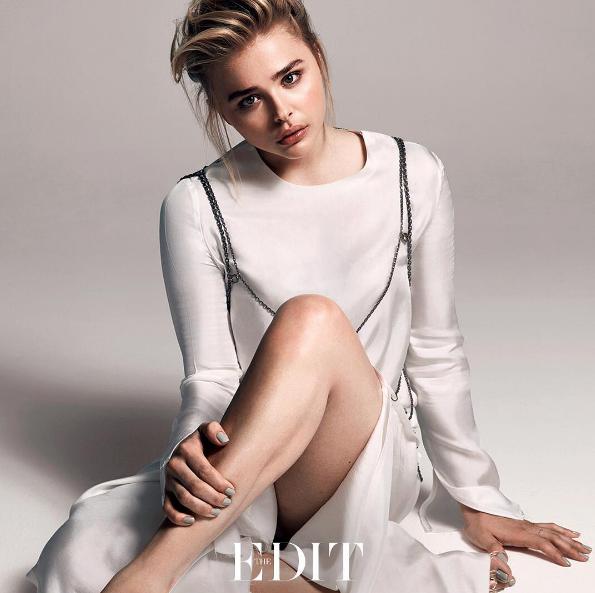Không chỉ vinh dự được xuất hiện trên Glamour, Chloe cũng đã là gương mặt trên trang bìa của rất nhiều tạp chí danh tiếng khác như Marie Chaire, Instyle, The Edit,...