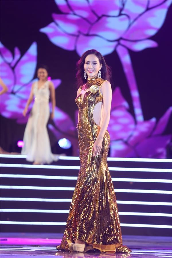 Phạm Thị Ngọc Quý - một trong những thí sinh được đánh giá cao nhất đạt danh hiệu Người đẹp áo dài.