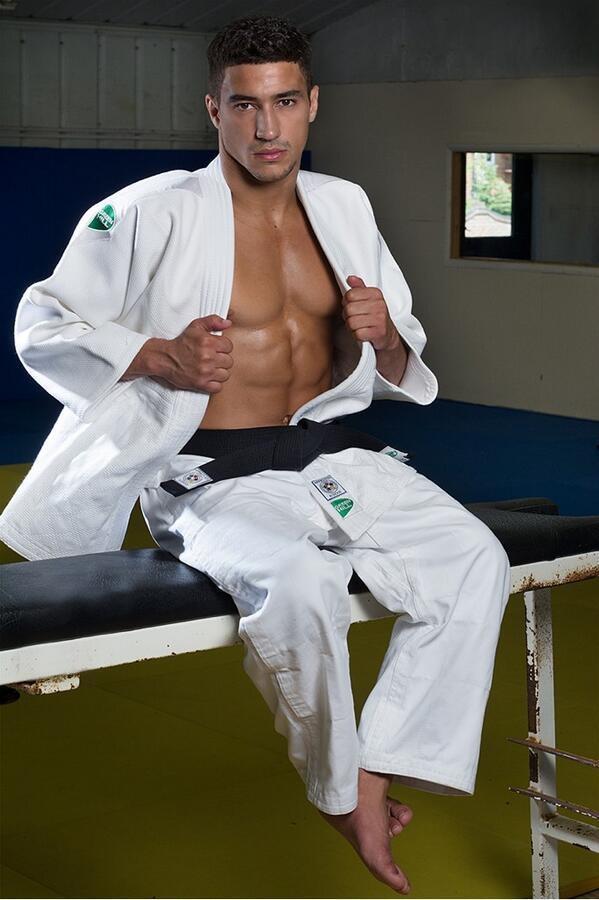 Tuyển thủ Judo người Anh ôm mặt khóc sau thất bại trong Rio 2016
