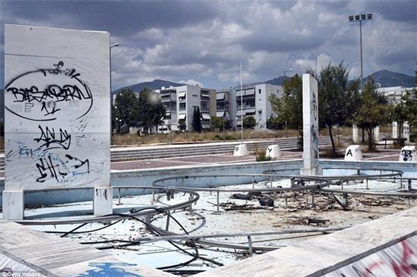 Các khu thi đấu phục vụ Olympic ở Athens, Hy Lạp dường như không còn giá trị sử dụng.