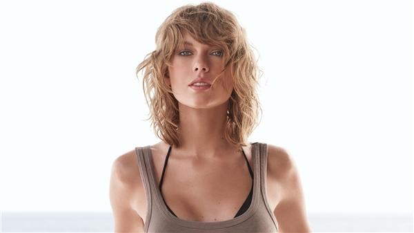 Nữ ca sĩTaylor Swift.