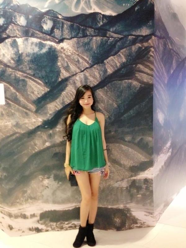 Nữ diễn viên Khát vọng thượng lưu sinh Cadie Mộc Trà vào tháng 8/2013.Trong suốt thời gianmang thai Cadie, Elly vẫn sở hữu thân hình vô cùng thon gọn, ít ai có thể nghĩ rằng người đẹp đang có bầu con gái đầu lòng. - Tin sao Viet - Tin tuc sao Viet - Scandal sao Viet - Tin tuc cua Sao - Tin cua Sao