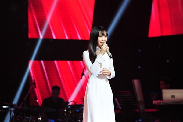 Nguyễn Cao Bảo Uyên trong sáng, đáng yêu trong thời gian tham gia The Voice.