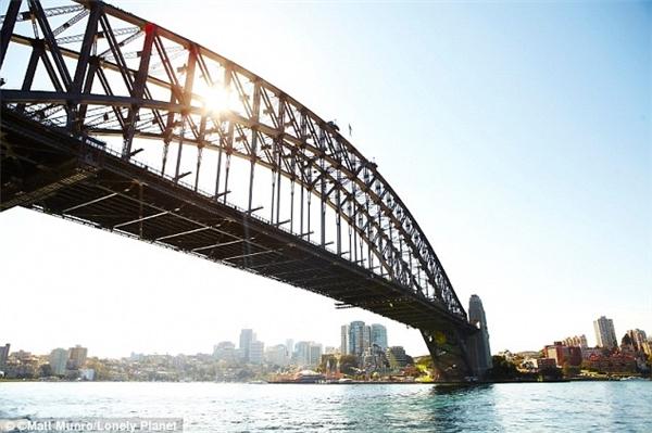 Được ngắm trọn vẹn cảng Sydney tại vườn quốc gia rộng 392 hecta miễn phí – còn gì thích bằng?(Ảnh: Lonely Planet)