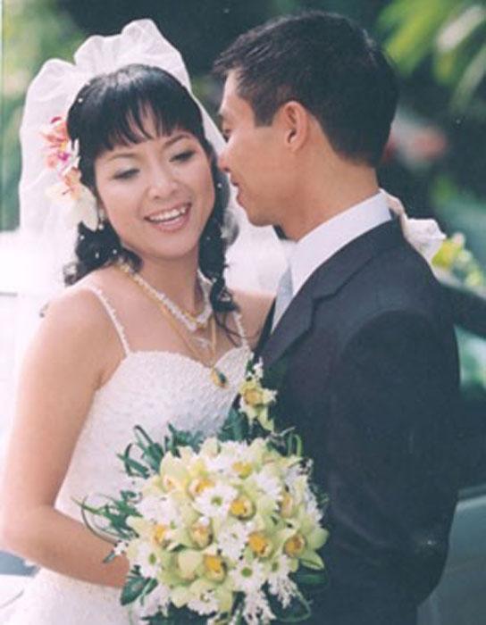 Thảo Vân và Công Lý tổ chức đám cưới vào giữa tháng 12/2004 tại 2 địa điểm Lạng Sơn và Hà Nội sau hơn 2 năm tìm hiểu. - Tin sao Viet - Tin tuc sao Viet - Scandal sao Viet - Tin tuc cua Sao - Tin cua Sao