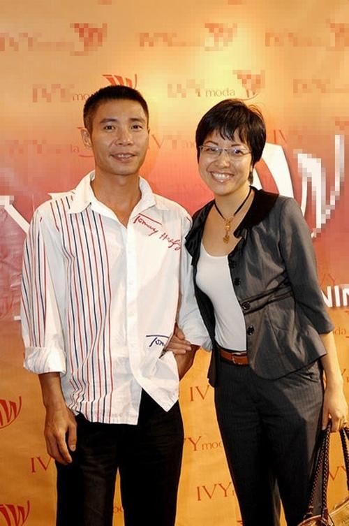 Cuối tháng 10/2005, Thảo Vân sinh con trai nặng hơn 3kg trong niềm hạnh phúc lớn lao. Lúc đó, Công Lý hớn hở đi khoe khắp nơi về hạnh phúc mới của mình. - Tin sao Viet - Tin tuc sao Viet - Scandal sao Viet - Tin tuc cua Sao - Tin cua Sao