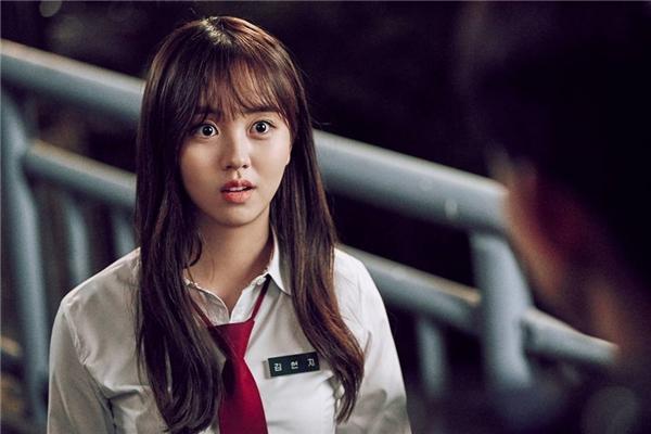 Sốc: Ma nữ Kim So Hyun sợ...ma