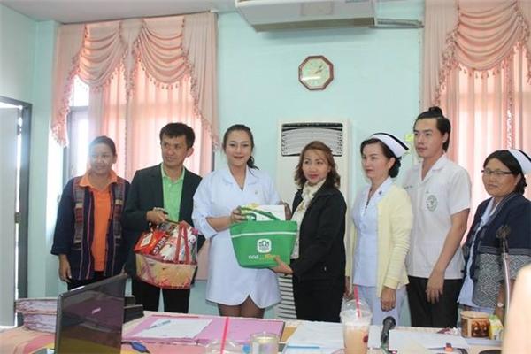 Supaichan vô cùng tận tâm với công việc và được bệnh nhân quý mến.