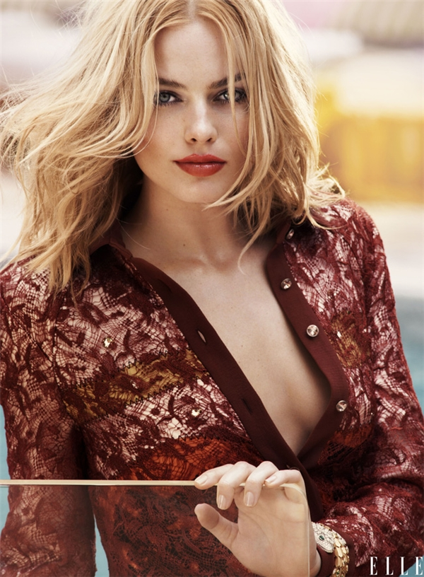 Vẻ đẹp của Margot Robbiekiều diễm, mặn mà trái ngược với Harley Quinn trên màn ảnh.
