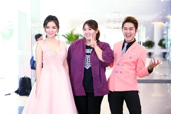 Đội Ba Rọigồm ca sĩ Phương Anh Idol, VJ Quốc Bảo và hot girl Hạ Anh.