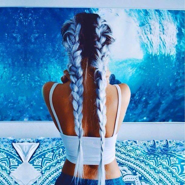 Khi cả đại dương bao la nằm gọn trong những lọn tóc tết.