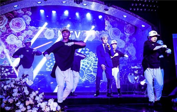 Sau Hari, thêm một nam ca sĩ Hàn điển trai rục rịch tấn công Vpop