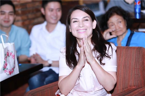 Nữ ca sĩ Phi Nhung vui mừng khi nhìn thấy sự trưởng thành và tiến bộ của Tố My.
