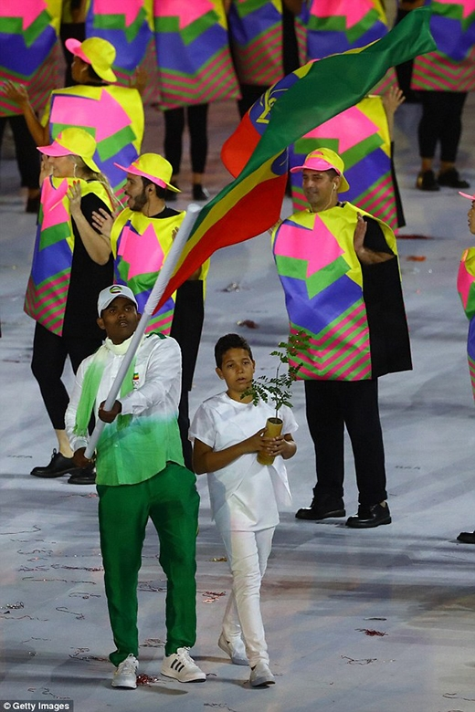Tuy nhận được rất nhiều bình luận tiêu cực nhưng anh chàng vẫn không từ bỏ ý địnhđi thi Thế vận hội Olympic.