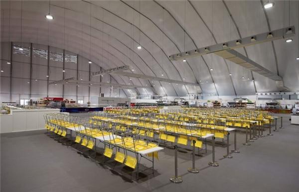 Phòng ăn Riocó kích thướcrộng hơn 24.700 mét vuông, gần bằng 3 sân bóng đá.