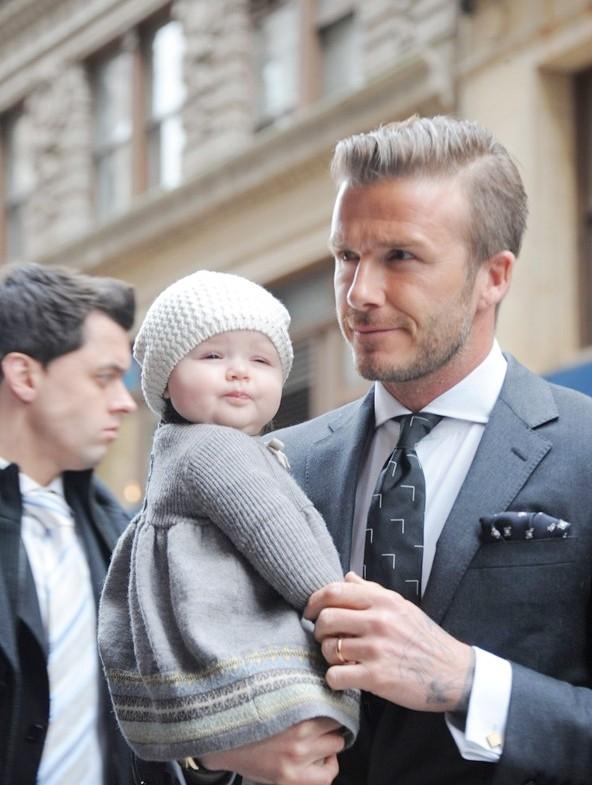 Harper là con gái cưng của cựu cầu thủ nổi tiếng thế giớiDavid Beckham và ca sĩVictoria.