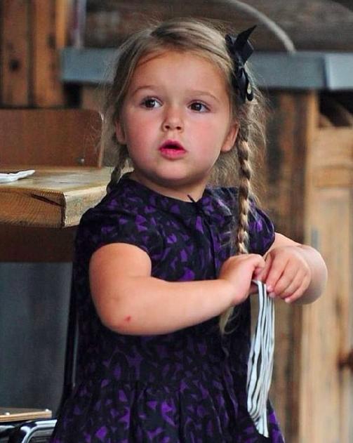 Công chúa Harper nhà Beckham đã lớn phổng phao thế này đây