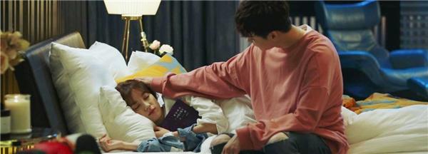 Chăm sóc đến tận... răng, còn ai tuyệt vời hơn Kang Chul?