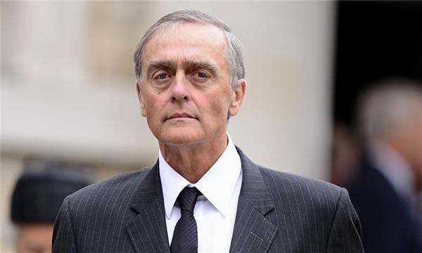 Công tước thứ 6 vùng Westminster - bố của Hugh.