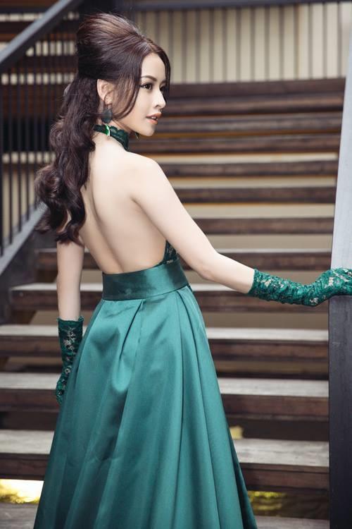 Tại ánh đèn, chiếc váy xanh khiến Chi Pu lộ hết điểm xấu cơ thể - Tin sao Viet - Tin tuc sao Viet - Scandal sao Viet - Tin tuc cua Sao - Tin cua Sao