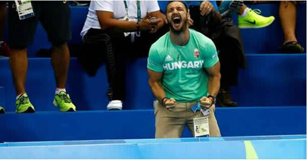 Còn gì sung sướng hơn khi cóngười hét lên đầy phấn khích như thế này vào lúcbạn giành chiến thắng.