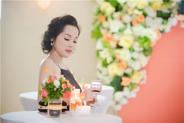 Đan Lê, Minh Hương quyến rũ đến chúc mừng sinh nhật Mỹ Linh - Tin sao Viet - Tin tuc sao Viet - Scandal sao Viet - Tin tuc cua Sao - Tin cua Sao