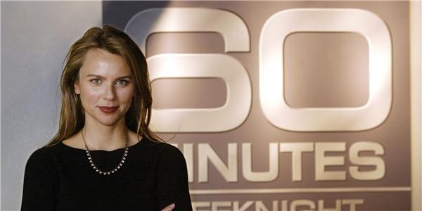 """Nữ phóng viên xinh đẹp và nổi tiếng của chương trình """"60 phút""""."""