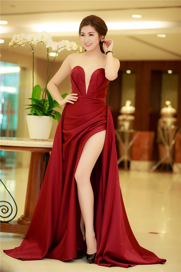 Người đẹp nhận được nhiều lời khen ngợi về nhan sắc ngày một rực rỡ.