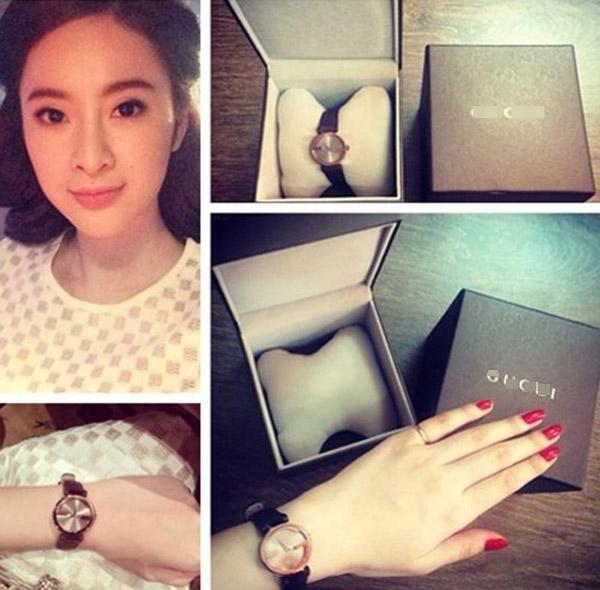 Đồng hồ đeo tay của Angela có giá hơn chục triệu đồng. - Tin sao Viet - Tin tuc sao Viet - Scandal sao Viet - Tin tuc cua Sao - Tin cua Sao