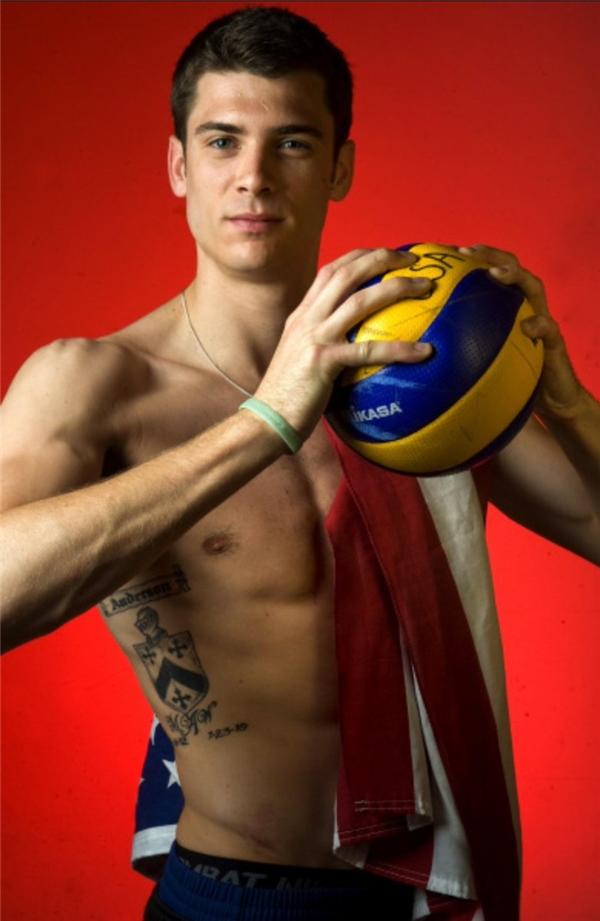 Chết ngất trước dàn nam thần 6 múi trong Olympic 2016