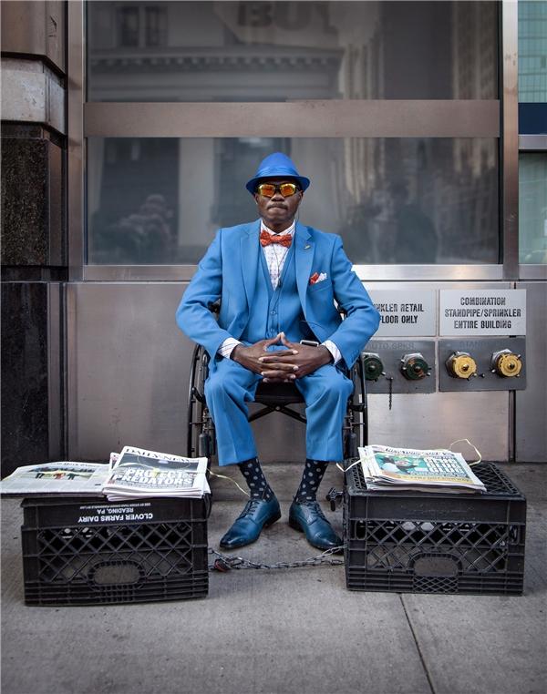 Chân dung Steeve Mackaya - người bán báo nổi tiếng nhất ở góc phố Chelsea (New York).