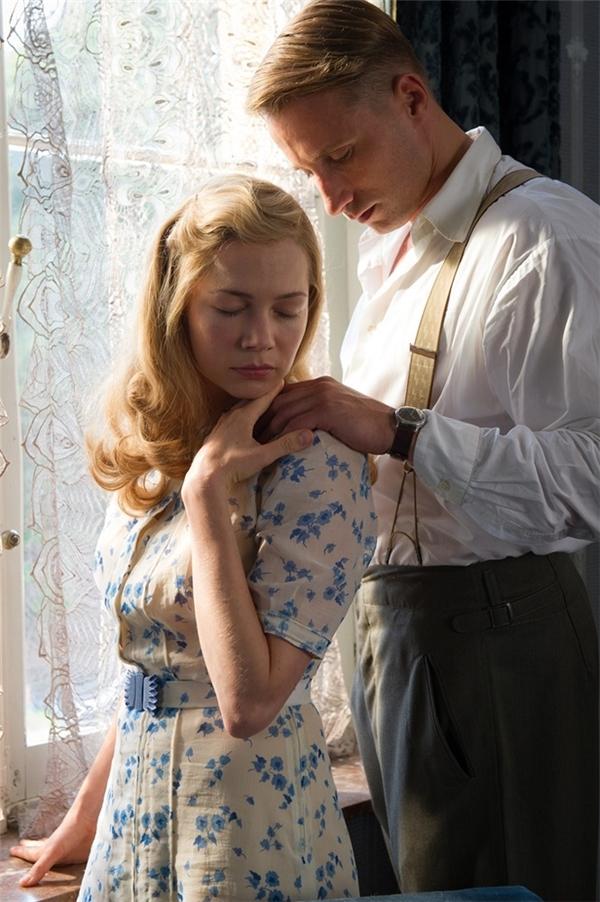 Câu chuyện tình yêu bi thương giữa một cô gái ở một vùng quê nước Pháp và một chàng sĩ quan Đức Quốc Xã.