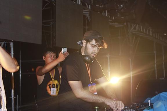 """Tham gia vào sự kiện lần này,DJ Heyder đã khiến khán giả tại Đà Nẵng """"mãn nhãn""""khi liên tiếp trình diễn những bản hit:""""We don't talk anymore"""", """"Faded""""..."""